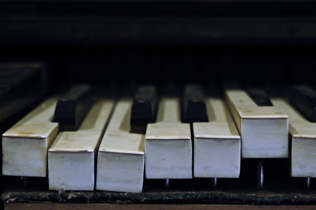 piano tuner singapore